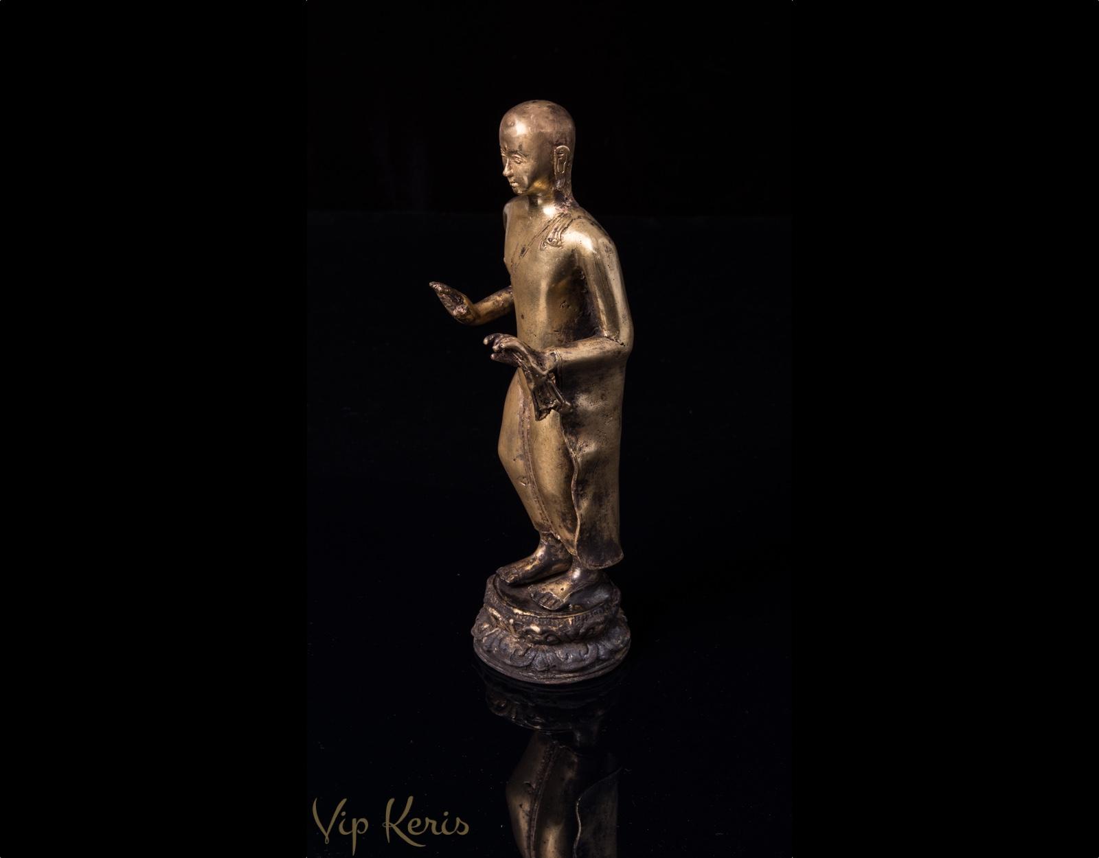Алтарная статуя Будды фото VipKeris