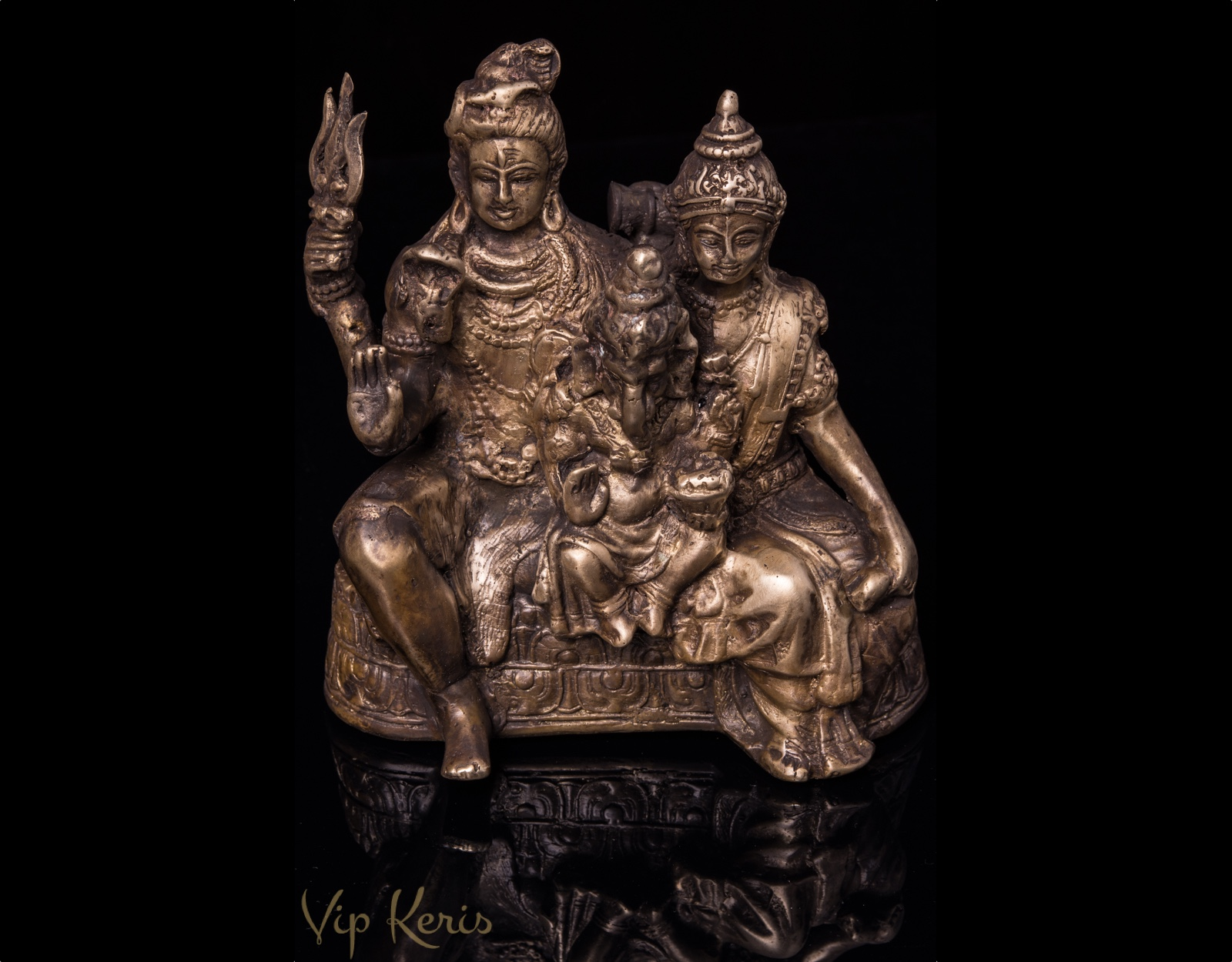Старинная статуя Шива Парвати Ганеша  фото VipKeris