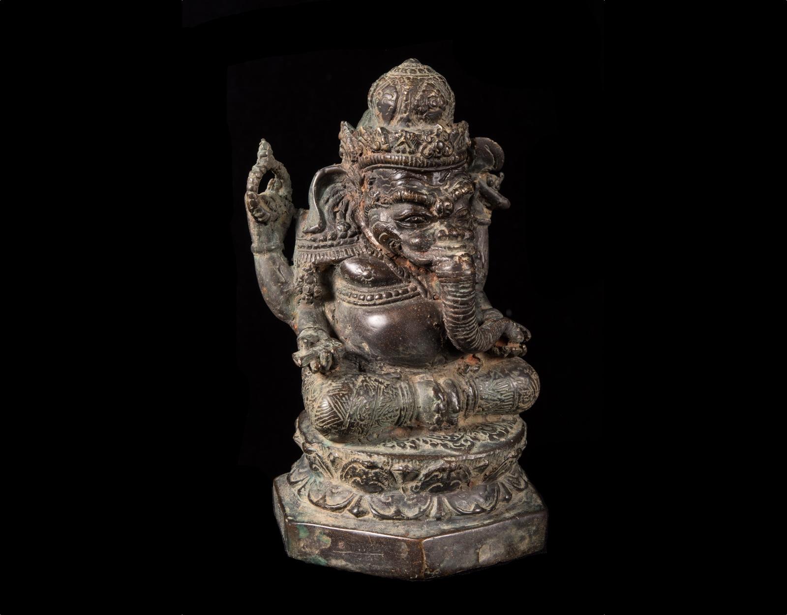 Алтарная бронзовая статуя Ганеша фото VipKeris