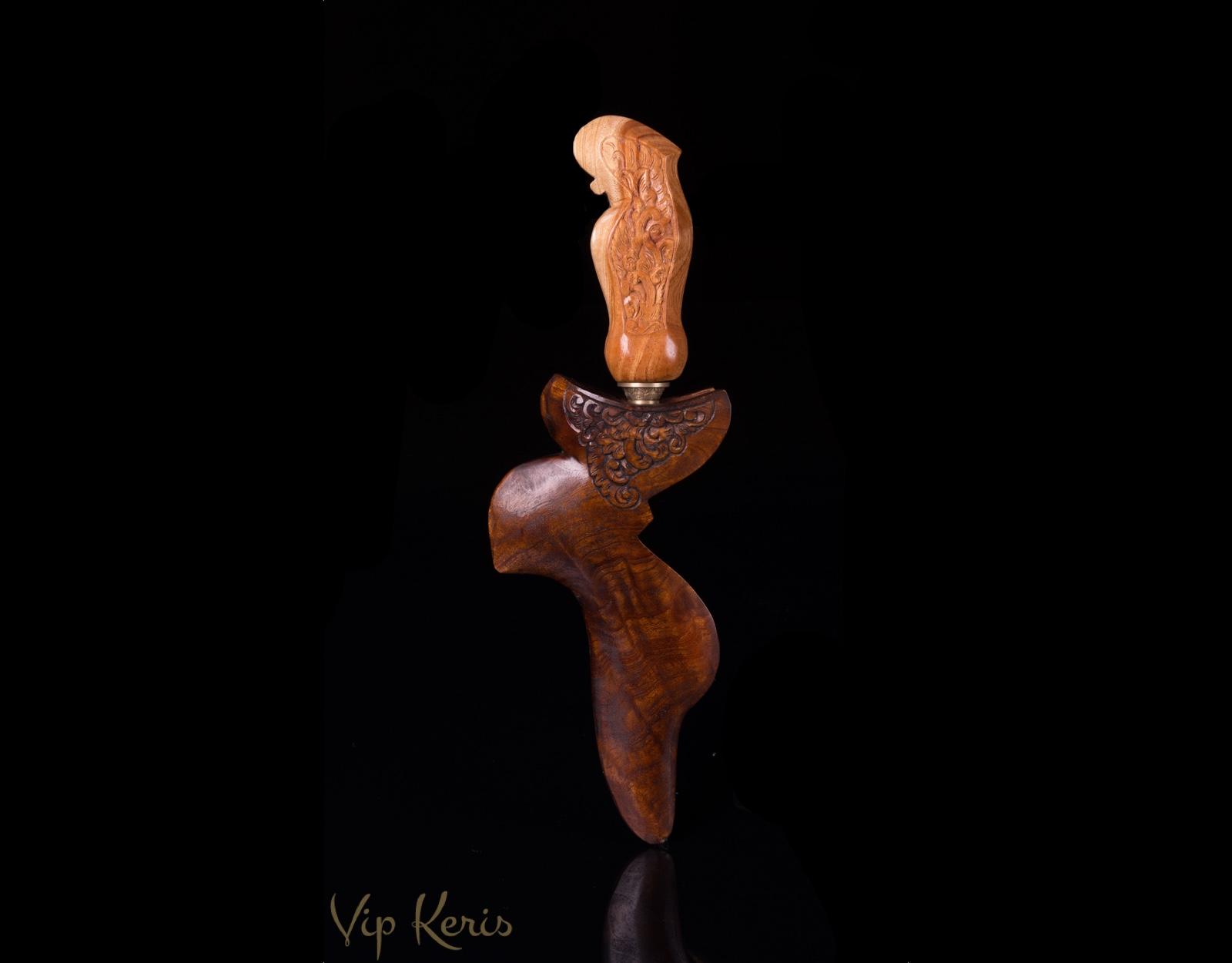 Kujang Naga, стихия жизнь. фото VipKeris