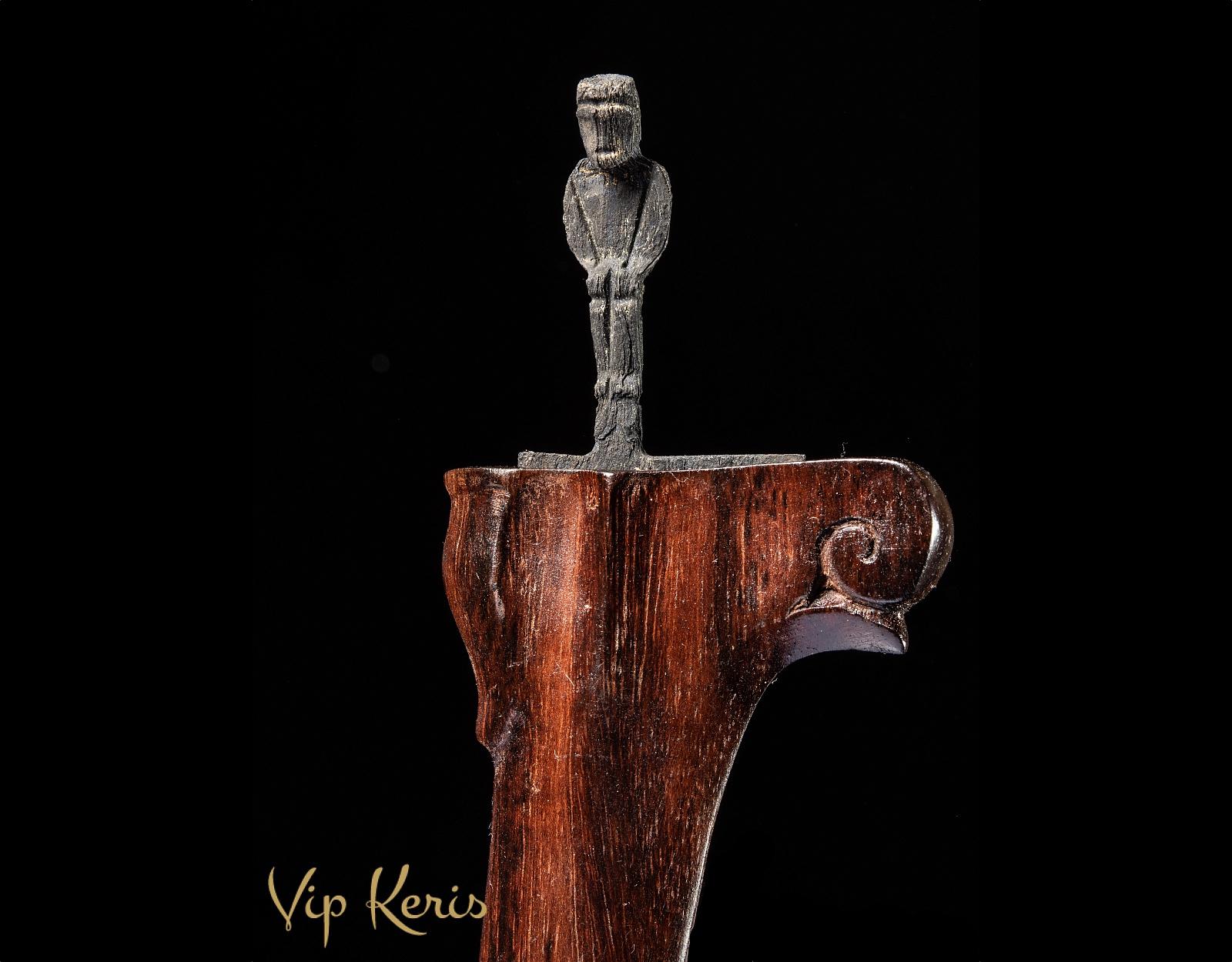Крис Sajen, стихия Огонь! фото VipKeris