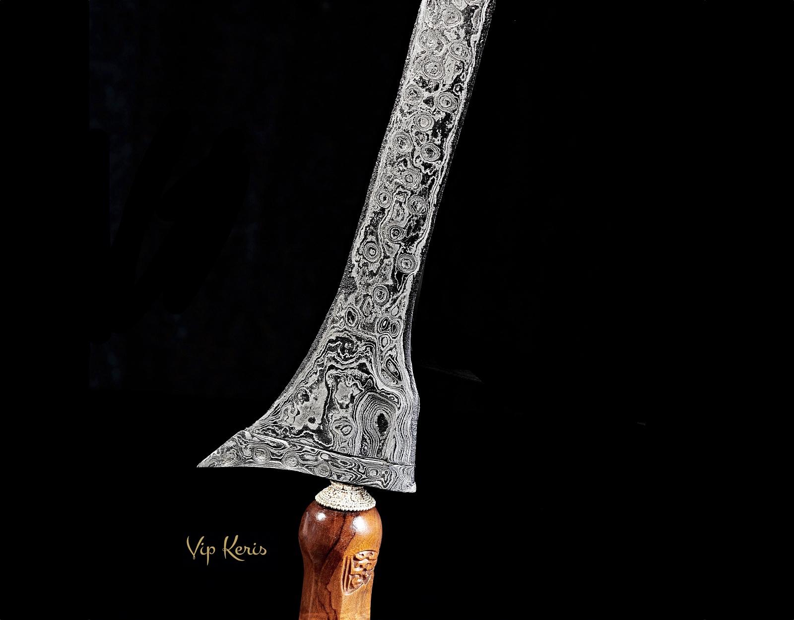 Ритуальный кинжал Крис Tilam Upih, работа с финансами. фото VipKeris