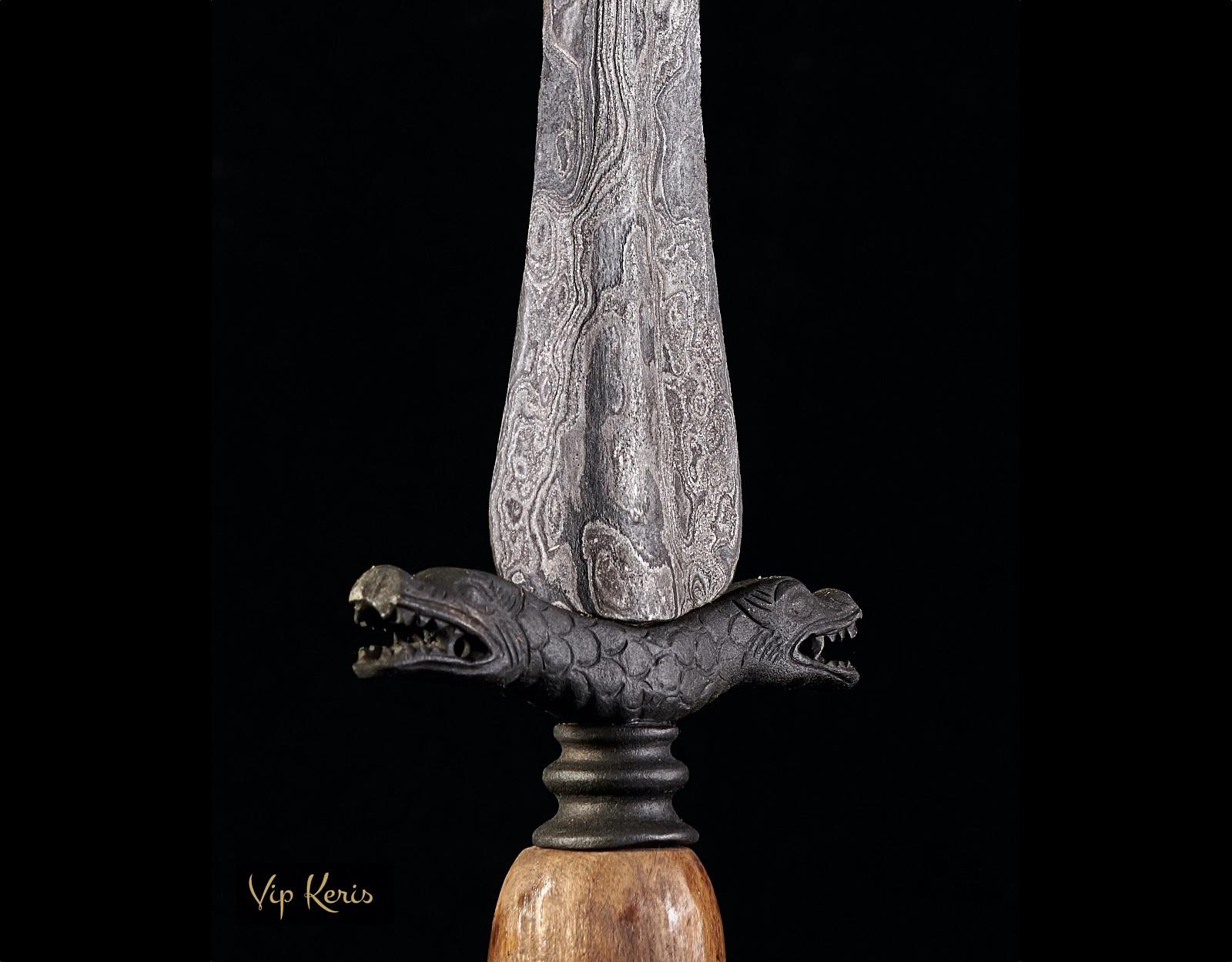 Ритуальный Tombak Ular Ganda фото VipKeris