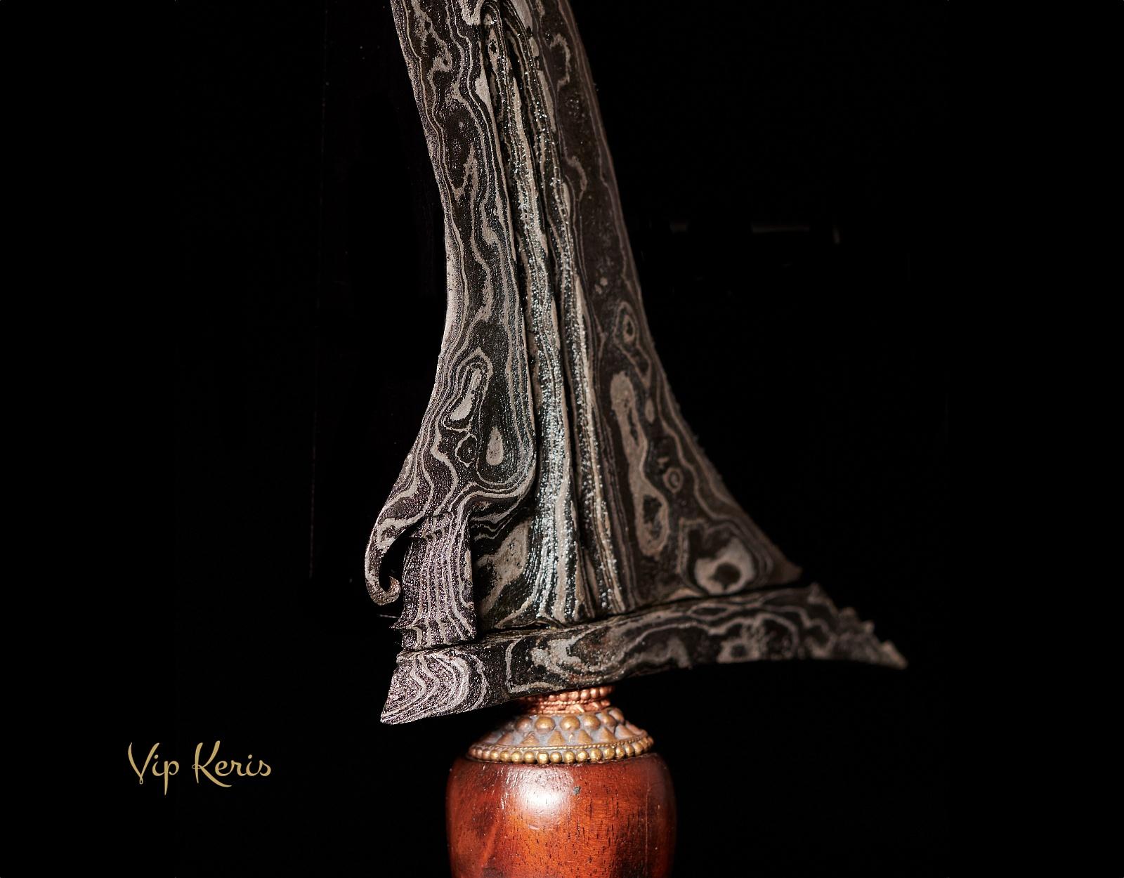 Пламевидный индонезийский кинжал Крис Sengkelat фото VipKeris