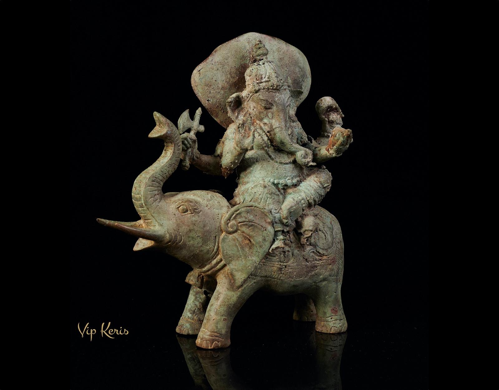 Антикварная статуя Ганеша верхом на слоне фото VipKeris