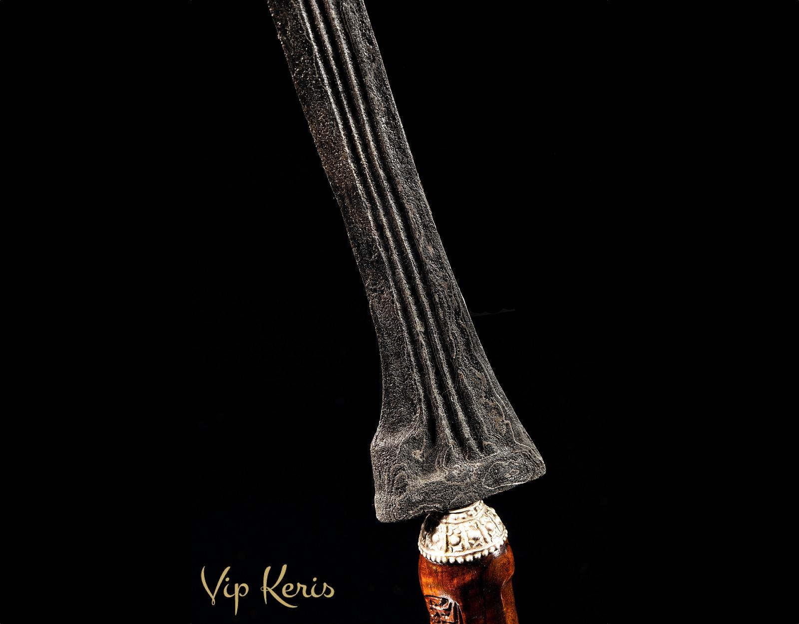 Прямой ритуальный Крис Duwung фото VipKeris