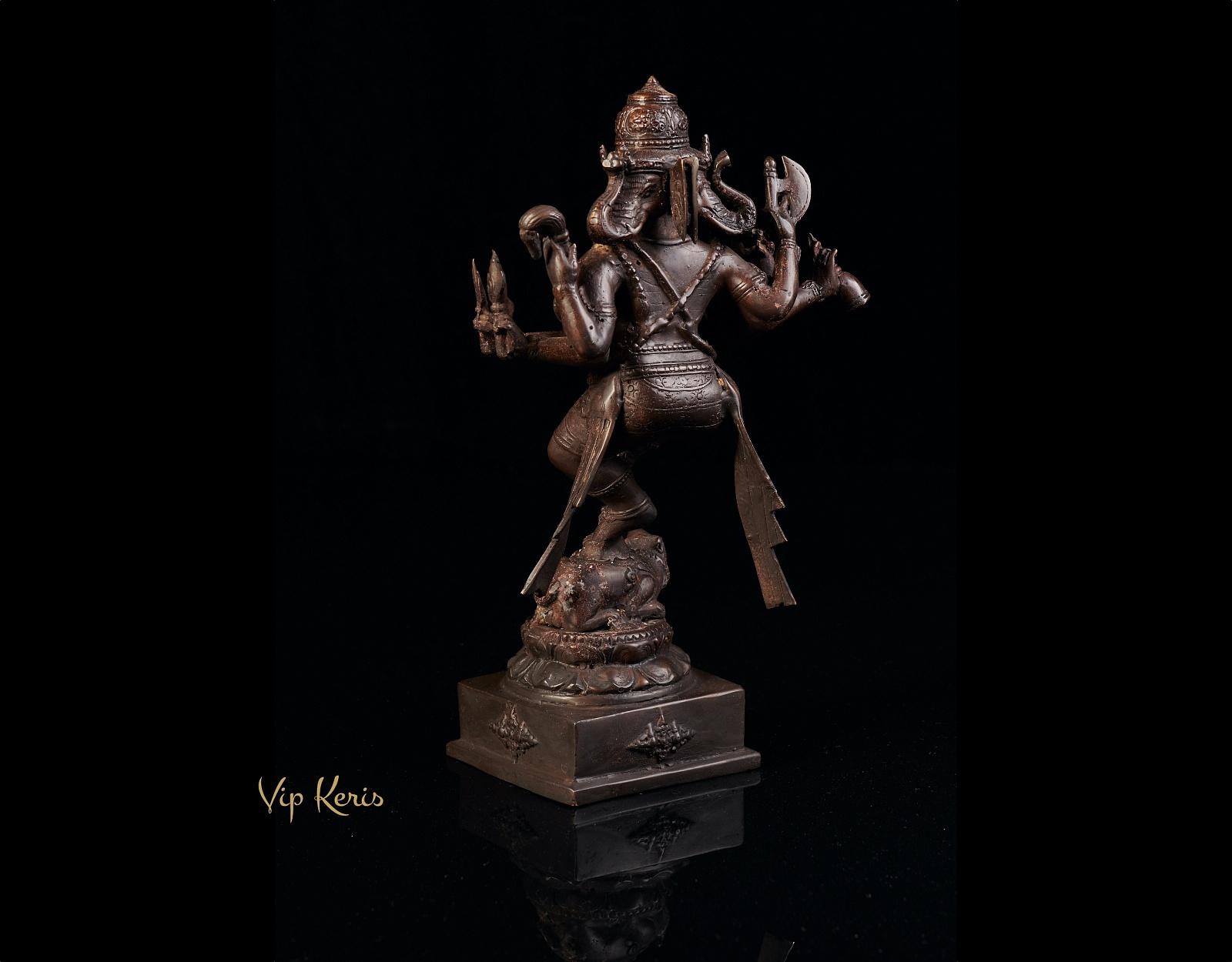 Старинная бронзовая статуя трехликий Ганеша на мышке Мишуке фото VipKeris